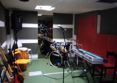 aula con strumenti musicali
